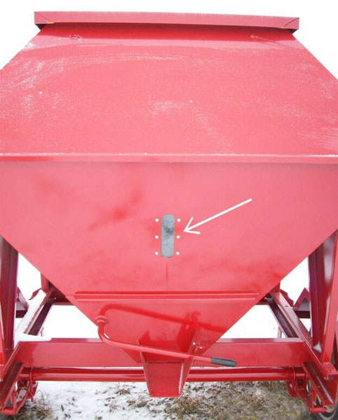 Portable Feed Storage Bins : Feed train half ton mobile bulk bin