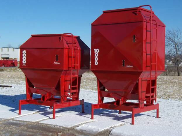 Portable Feed Storage Bins : Feed train ton stationary bulk bins