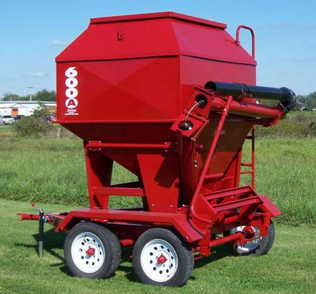 Portable Feed Storage Bins : Feed train ton mobile bulk bin